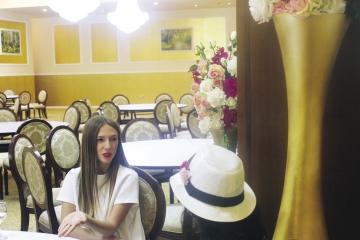 "Adela Popescu: ""Oamenii se casatoresc... Fie vor copii, fie sunt nesiguri de relatie"""