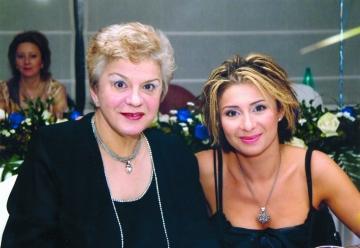 "Ana Maria si Ionela Prodan, ""reginele Olteniei"""