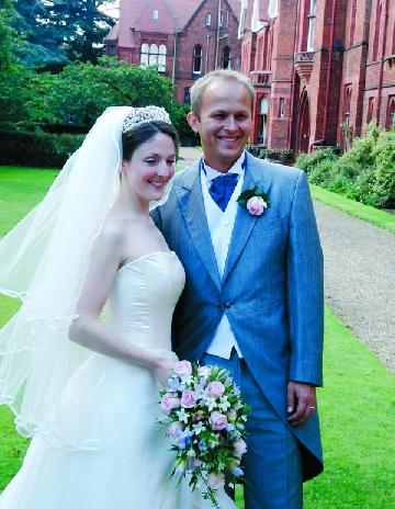 Fiul lui Theodor Stolojan: nunta pe AXA Cambridge-Costinesti