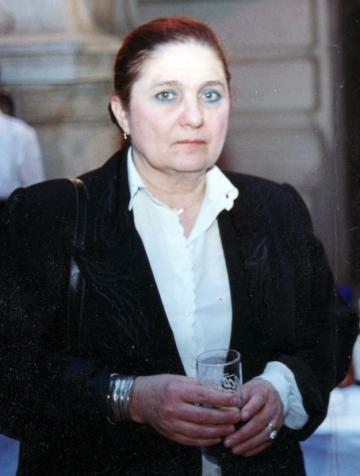 La multi ani, Lucia Hossu-Longin!