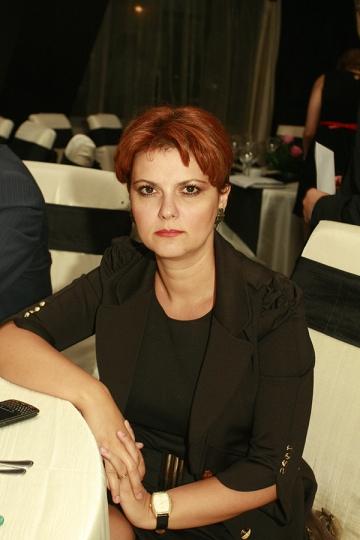 La multi ani, Lia Olguta Vasilescu!