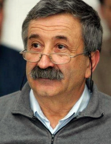 Astazi este ziua lui Petre Mihai Bacanu. La multi ani!