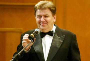 La multi ani, Florian Lungu!