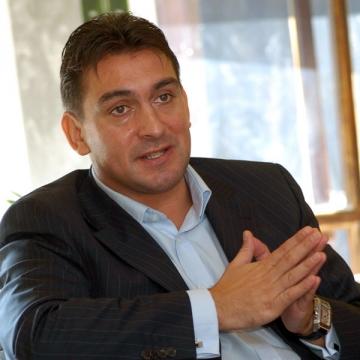 La multi ani, Ilie Dumitrescu!