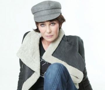 La multi ani, Ioana Pavelescu!