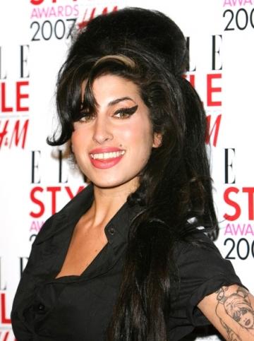Amy Winehouse a ajuns la urgenta din cauza drogurilor