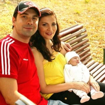 Alexandru Papadopol se relaxeaza impreuna cu familia in parc