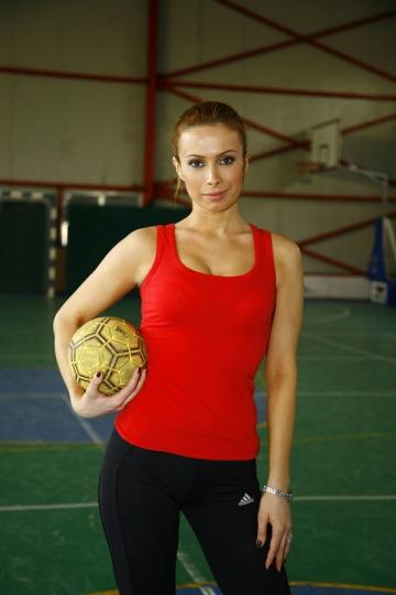 "Alexandra Derevici: ""Handbalul ma tine in forma"""