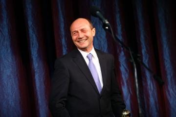 Traian Basescu se decide in toamna daca va candida