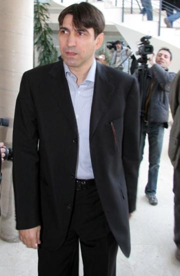 Piturca va castiga aproape o jumatate de milion de euro la Craiova