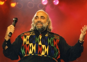 Demis Roussos, revine in Romania