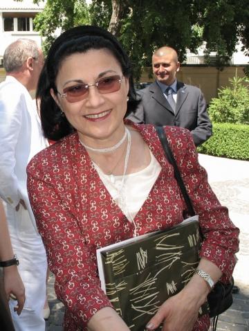 Ecaterina Andronescu interesata de scoala, nu de remaniere