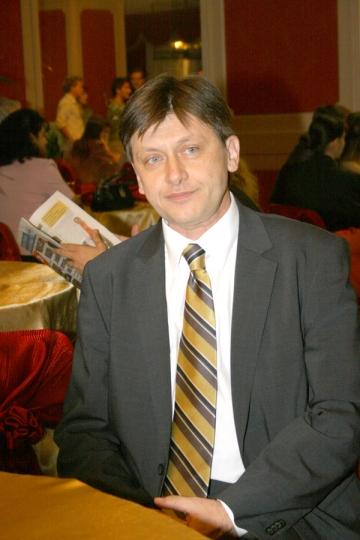 Crin Antonescu saluta intrarea lui Oprescu in cursa prezidentiala