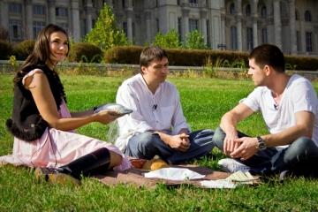 Cristian Mungiu, picnic pe peluza Casei Poporului