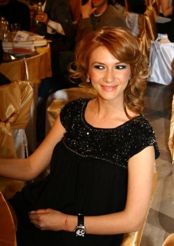 Adela Popescu si-a sarbatorit ziua de nastere