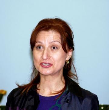 Sorina Placinta si Raed Arafat militeaza pentru spalatul mainilor