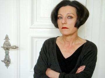 Romanul Hertei Muller, aruncat intr-o galeata cu sange