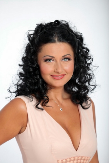 "Gabriela Cristea a plans, in direct, la ""Nora pentru mama"""