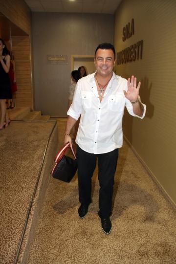 Adrian Enache a iesit razand de la divort