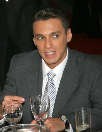 Mircea Badea nu are gripa porcina