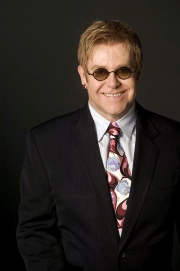 Elton John infectat cu gripa porcina?