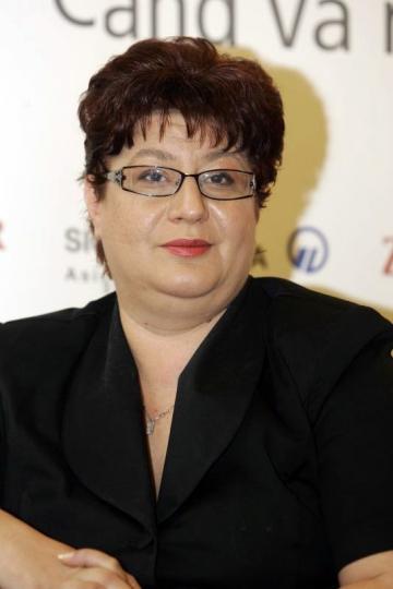 """Ministerul de Finante, """"slabit"""" de gripa porcina"""