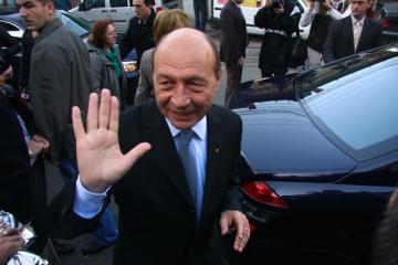 Traian Basescu sutine necesitatea unui referendum pe tema lustratiei