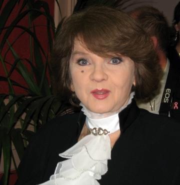 Margareta Paslaru inspirata de versurile Anei Blandiana