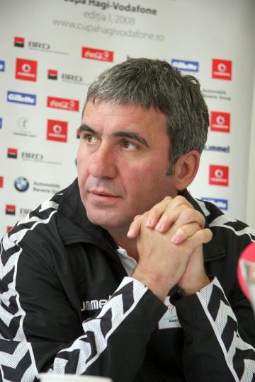 "Gica Hagi: ""Ma doare ce se intampla la Steaua"""