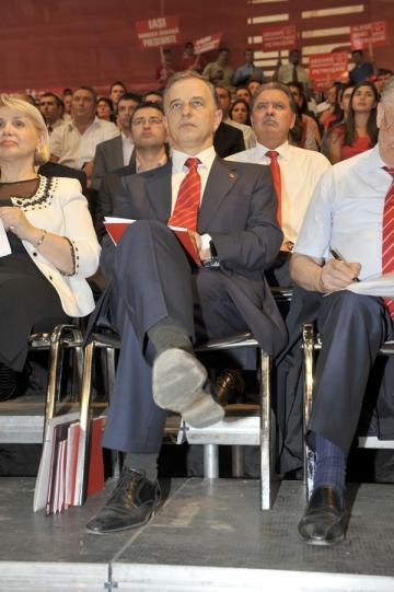 Geoana, deranjat de discutiile colegilor de partid