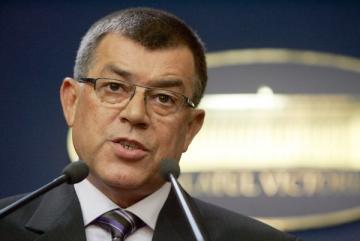Stroe vrea sa faca parte din comisia de control asupra SRI