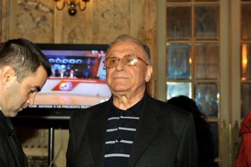 """Iliescu: """"Luptele partizane submineaza autoritatea partidului"""""""