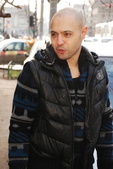 """Mihai Mitoseru ureaza """"Craciun Fericit"""" de Ziua Indragostitilor"""