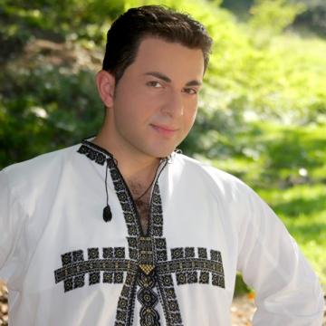"Robert Tarnaveanu: ""Prostia se vinde in draci in Romania!"""