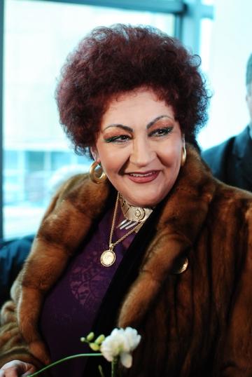 """Elena Merisoreanu: """"Dupa 13 ani am reusit sa-mi reunesc familia"""""""
