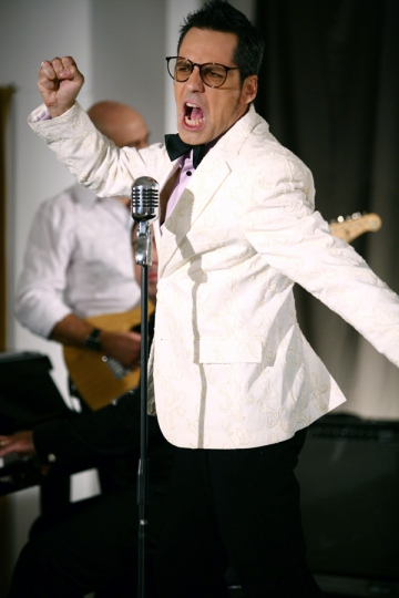 "Stefan Banica Jr. a lansat campania ""Super-love"""