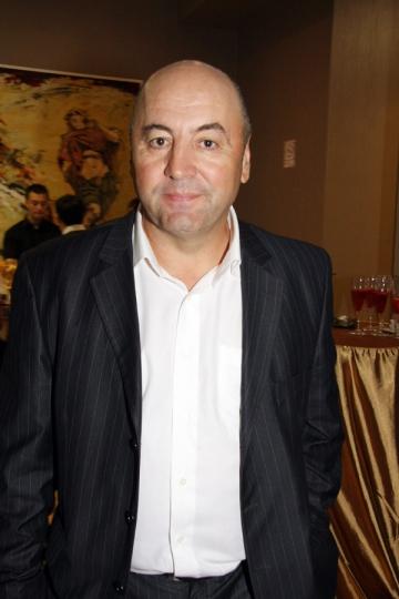 Adrian Fetecau serbeaza de doua ori 1 Mai