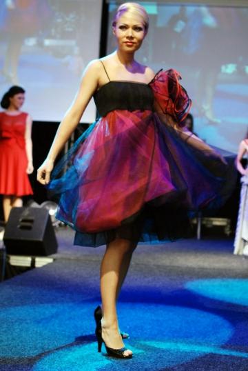 Cristina Darha, de la house la muzica populara