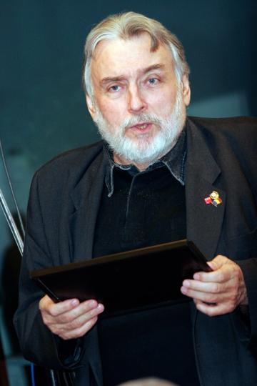 Adrian Paunescu, premiat de ziua sa