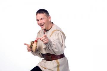 """Radu Ile: """"Poti trai din cantatul prin restaurante"""""""