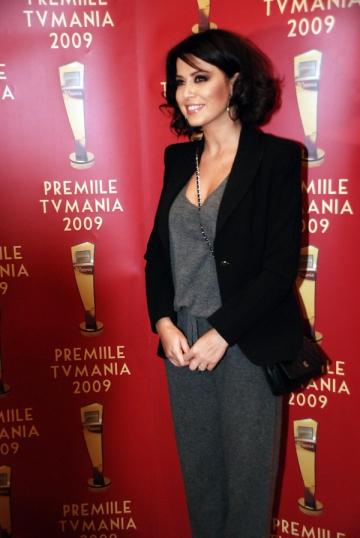 Simona Patruleasa vrea sa se asigure ca ramane in televiziune