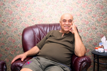 Benone Sinulescu vrea sa-si vanda apartamentul din Bucuresti