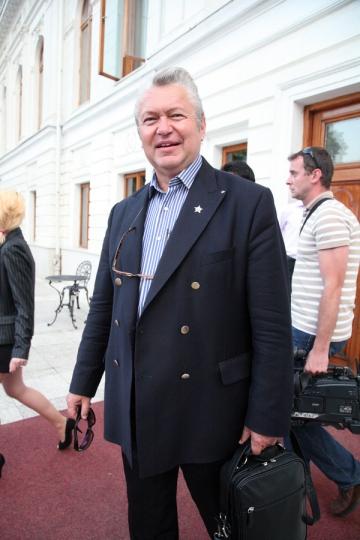 Gheorghe Turda nu are timp sa-si vada logodnica