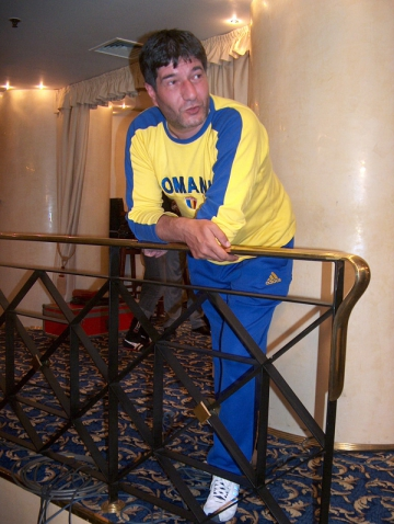 Radu Pietrenu scrie texte inspirate din hobby-urile sale