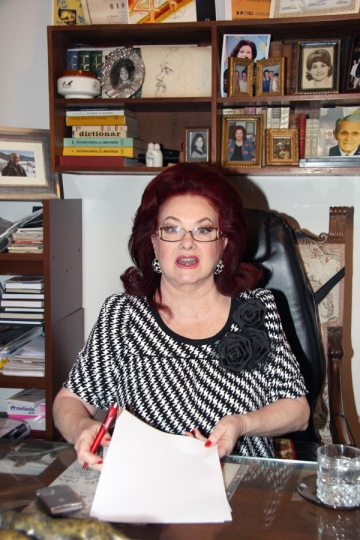 "Stela Popescu: ""Publicul din Romania e foarte inteligent!"""