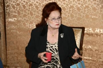 "Stela Popescu: ""Rolul pozitiv e mai dificil"""