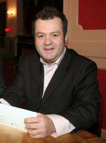 Dragos Mostenescu scrie o drama