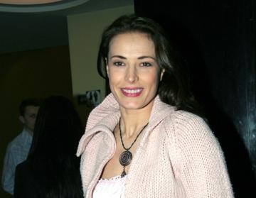 Monica Davidescu organizeaza un spectacol pentru ajutorarea animalelor fara stapan