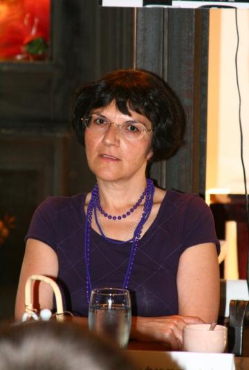 Ioana Parvulescu se amuza pe seama incurcaturilor iscate de titlurile sale