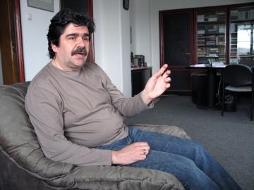 """Radu Paraschivescu: """"Fata de alte tari, Sandra Brown a scris dublu la noi"""""""